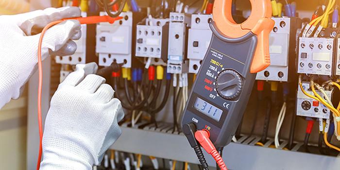 Electrician in Ajman